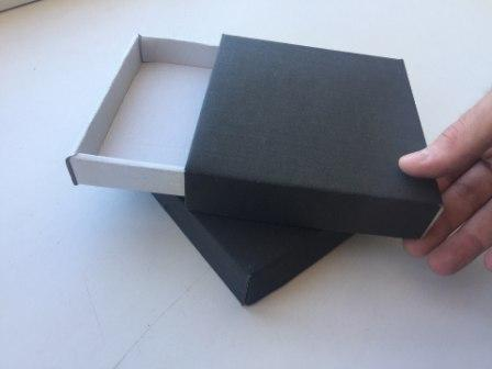 Кондитерская коробка из микрогофрокартона