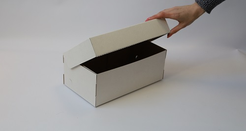 Коробка из микрогофрокартона под кроссовки