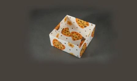 Подарункова коробка у стилі орігамі: крок 4