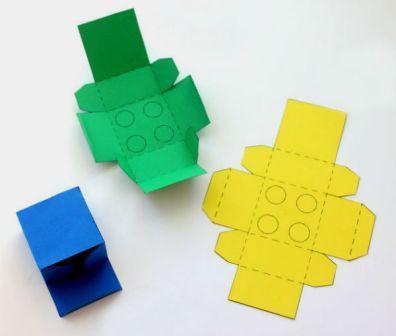 Коробка у вигляді конструктора Лего: крок 1