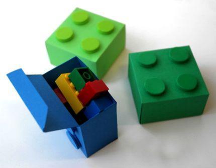 Коробка у вигляді конструктора Лего: крок 2