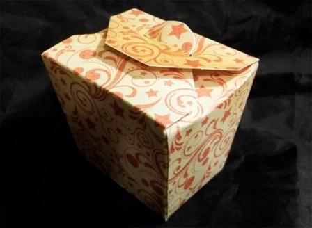 Подарункова коробка з пелюстками: крок 3
