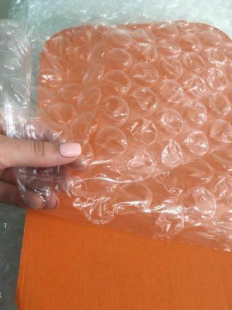 Воздушно-пузырчатая пленка с большим пузырьком