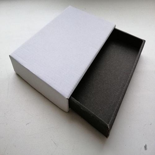 Картонная коробка из сложной формы высечки