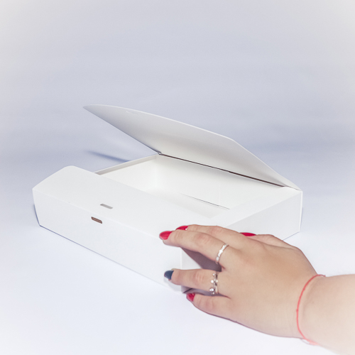 Подарочная коробка самосборного типа