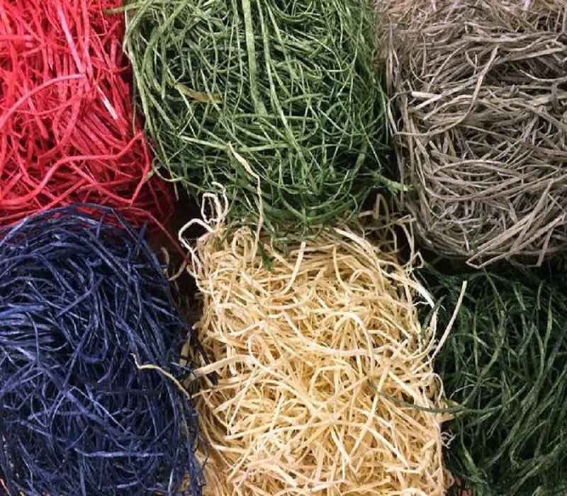 Натуральные древесные наполнители разного цвета в наличии