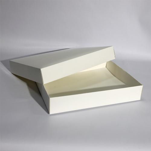 Подарочная коробка с отдельной крышкой и дном